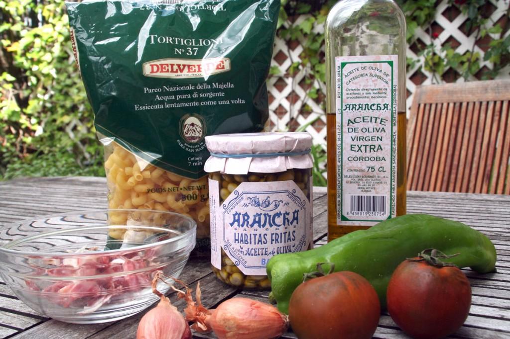 Ingredientes fundamentales para Pasta con Habitas