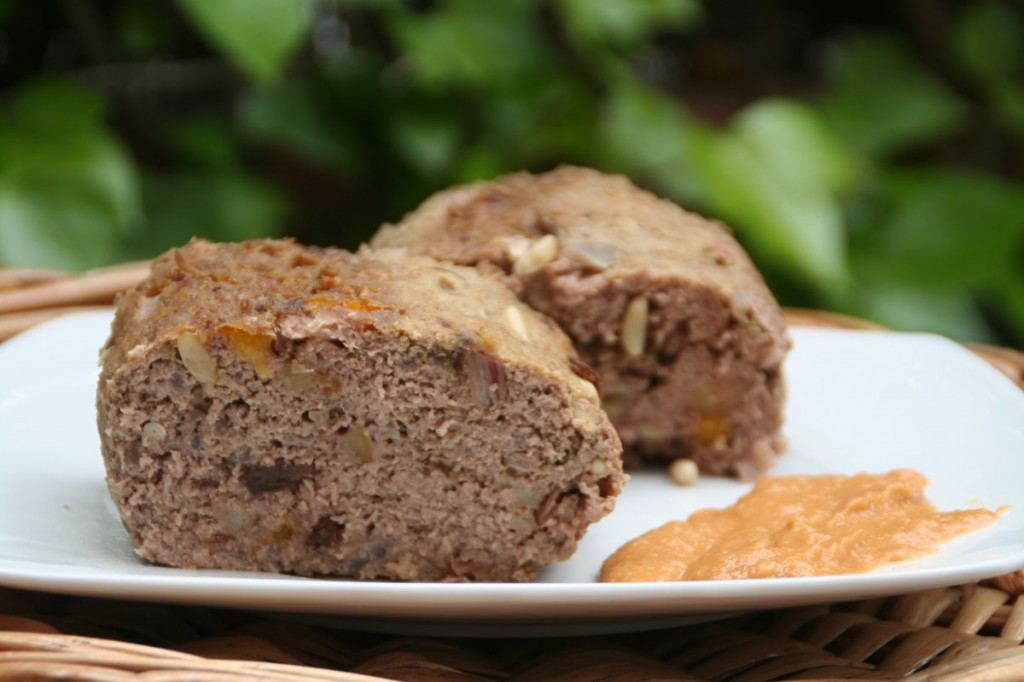 Pastel de carne con Piñones y Orejones