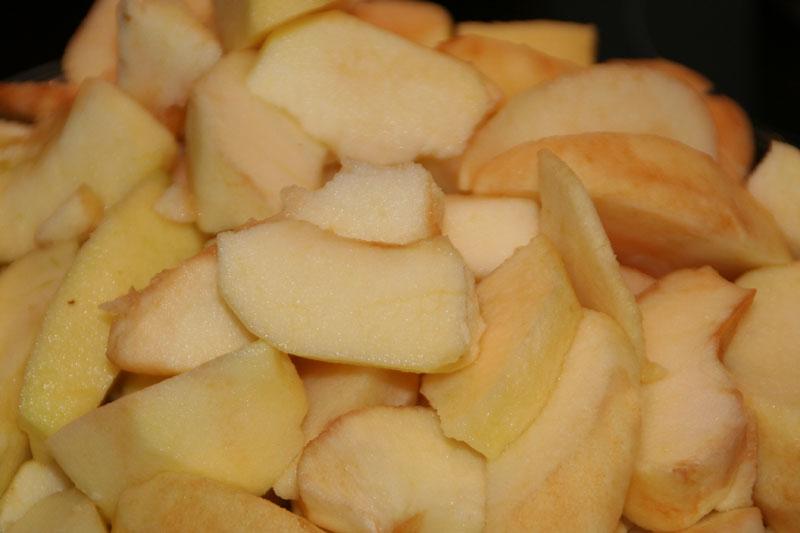 Las manzanas peladas y listas