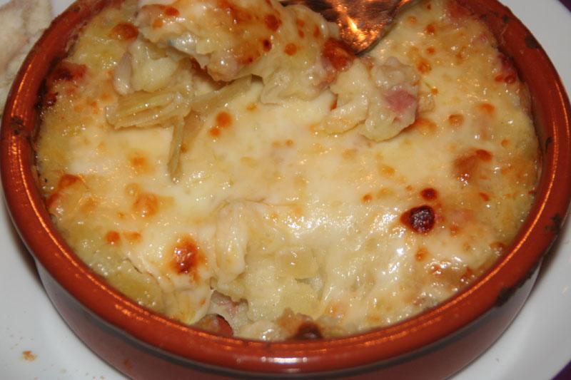 Cazuelas de Patatas con Jamon